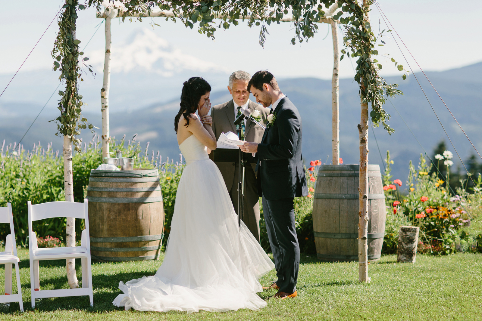Gorge Crest Vineyards Wedding 042
