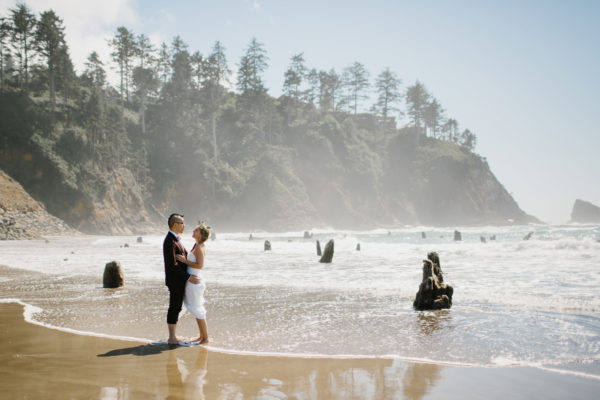 Oregon coast wedding Neskowin beach