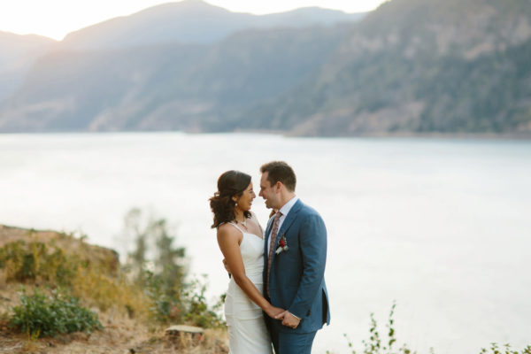 Columbia river gorge Lakecliff Bed and Breakfast wedding